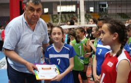 Bursa'da Mini Voleybol